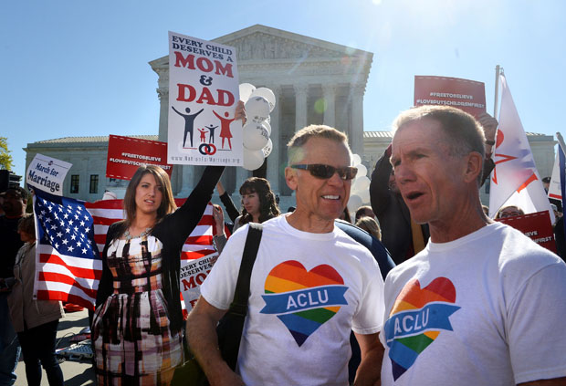 Pro and anti-gay rights protest outside the U.S. Supreme Court on April 28, 2015 in Washington, DC.