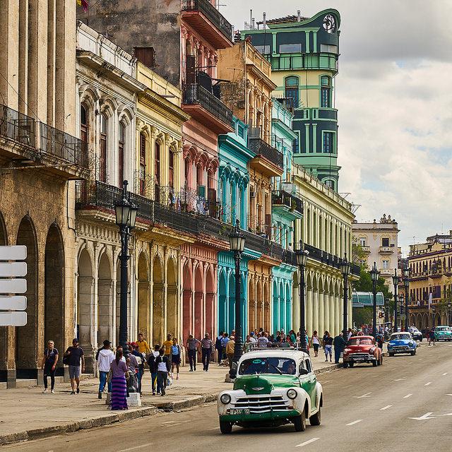 Street view of La Habana, Cuba