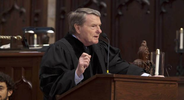 Journalist Jim Lehrer delivers the Founders' Day address at The University of the South's convocation, 2009