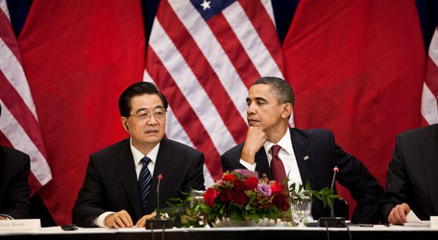 President Barack Obama and President Hu Jintao of China attend a meeting with business leaders in the Eisenhower Executive Office Building, Jan. 19, 2011.