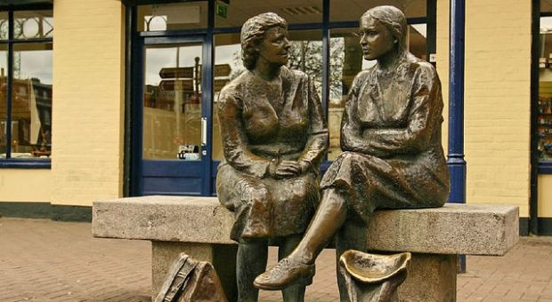 Statue of two women in Dublin City, Ireland